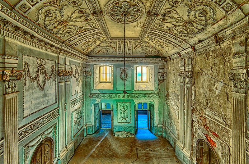 Abandoned Places 2, Patrycja Makowska (2013, Polish)